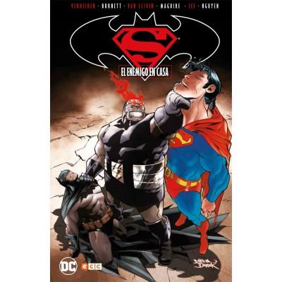 Superman/Batman: El enemigo en casa